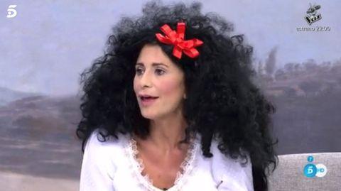 Hair, Hairstyle, Black hair, Long hair, Hair accessory, Forehead, Smile, Headpiece, Fashion accessory,