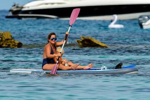 Water transportation, Vehicle, Boating, Outdoor recreation, Recreation, Kayak, Water sport, Boat, Canoeing, Kayaking,