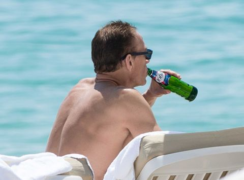 Goggles, Drink, Mammal, Elbow, Leisure, Summer, Bottle, Drinkware, Drinking, Aqua,