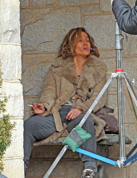 Jacket, Knee, Denim, Street fashion, Blond, Camera, Walker, Camera accessory, Balance, Ladder,