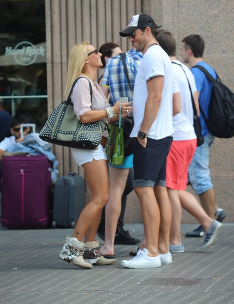 Footwear, Leg, Cap, Trousers, Human leg, Shoe, Jeans, Bag, Hat, Style,