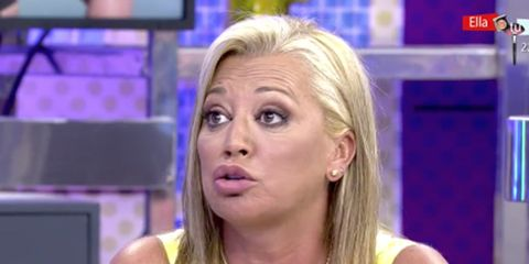 Hair, Television presenter, Face, Cheek, Blond, Nose, Eyebrow, Chin, Newscaster, Television program,