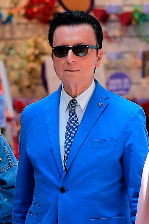 Cobalt blue, Suit, Blue, Electric blue, Glasses, Blazer, Formal wear, Outerwear, White-collar worker, Street fashion,
