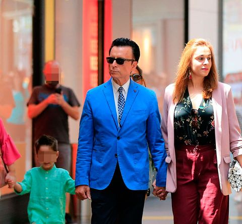 Cobalt blue, Blue, Suit, Fashion, Street fashion, Electric blue, Blazer, Formal wear, Pink, Outerwear,