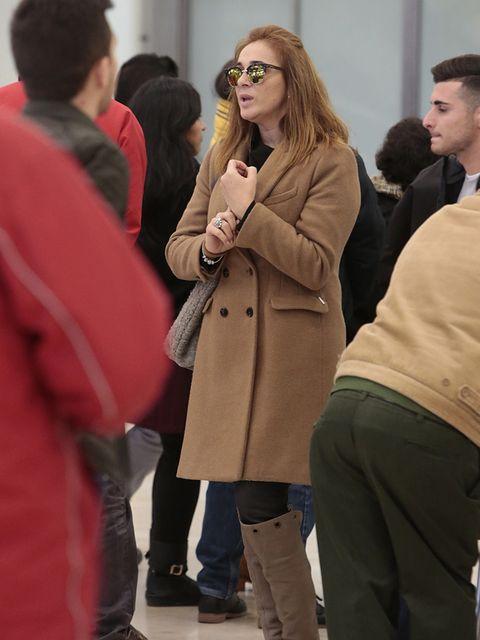 Face, Coat, Sleeve, Trousers, Outerwear, Jacket, Winter, Style, Overcoat, Street fashion,