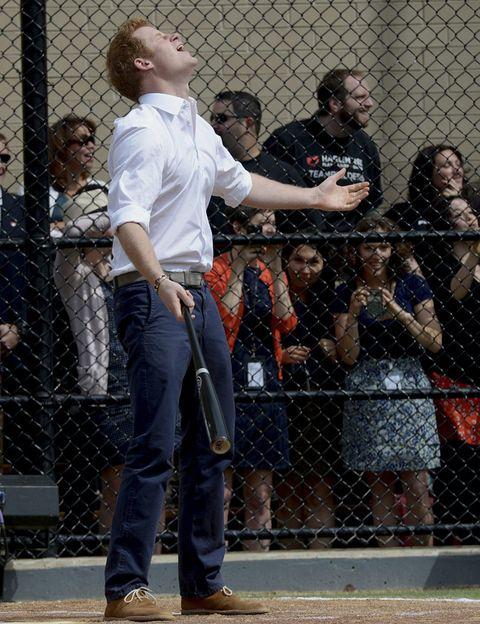 Shirt, Shoe, Jeans, Denim, Mesh, Wire fencing, Fence, Chain-link fencing, Belt, Pocket,
