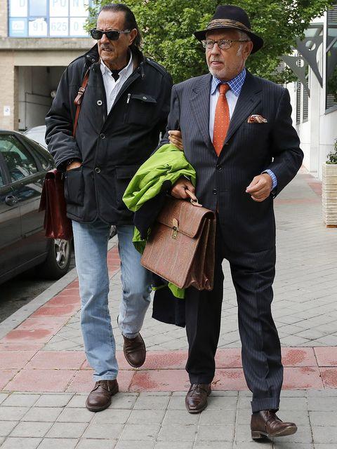 Suit, Snapshot, Blazer, Outerwear, Footwear, Human, Headgear, White-collar worker, Jacket, Formal wear,
