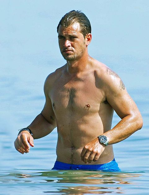 Barechested, Muscle, Chest, Arm, Water, Fun, Stomach, Trunk, Vacation, Human body,