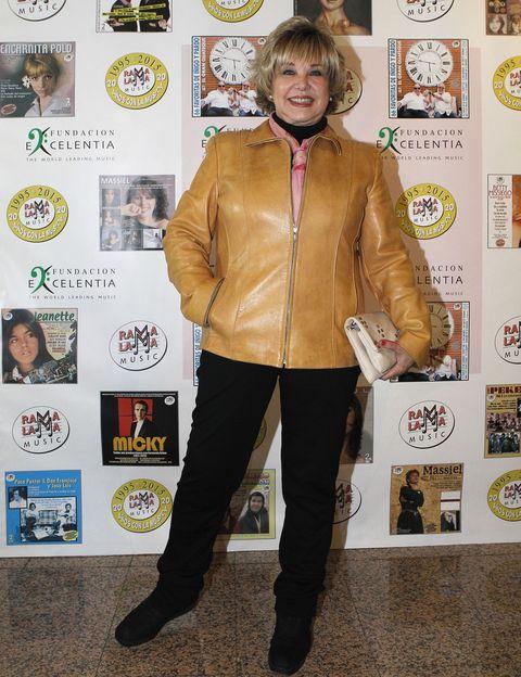 Jacket, Trousers, Textile, Outerwear, Style, Logo, Fashion, Bag, Leather, Leather jacket,