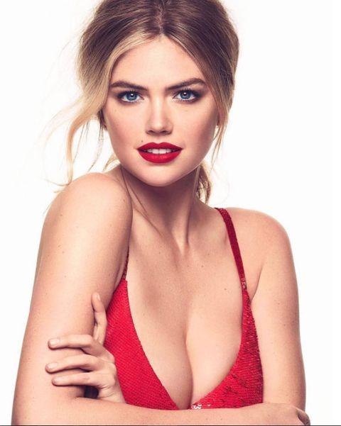Hair, Face, Brassiere, Lip, Skin, Model, Beauty, Clothing, Photo shoot, Fashion model,