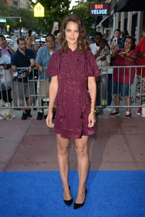 Clothing, Red carpet, Fashion model, Premiere, Dress, Fashion, Carpet, Cocktail dress, Flooring, Footwear,