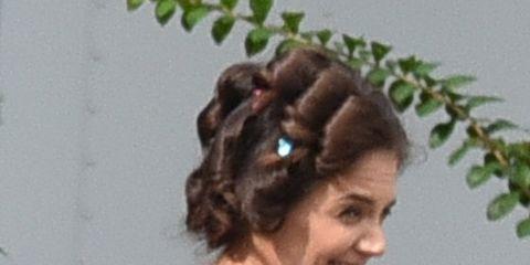 Brown, Hairstyle, Forehead, Hair accessory, Style, Long hair, Headgear, Brown hair, Terrestrial plant, Liver,