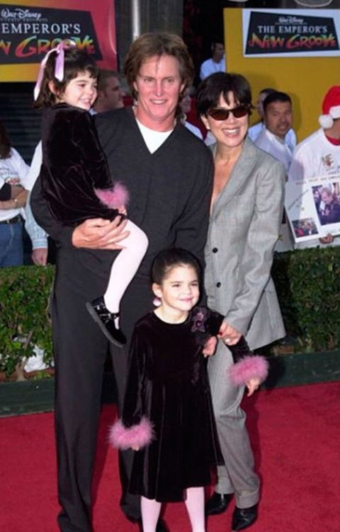 Red carpet, Carpet, Event, Premiere, Flooring, Suit, Fictional character, Formal wear,