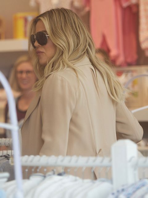 Eyewear, Glasses, Vision care, Sunglasses, Street fashion, Blond, Long hair, Goggles, Brown hair, Layered hair,
