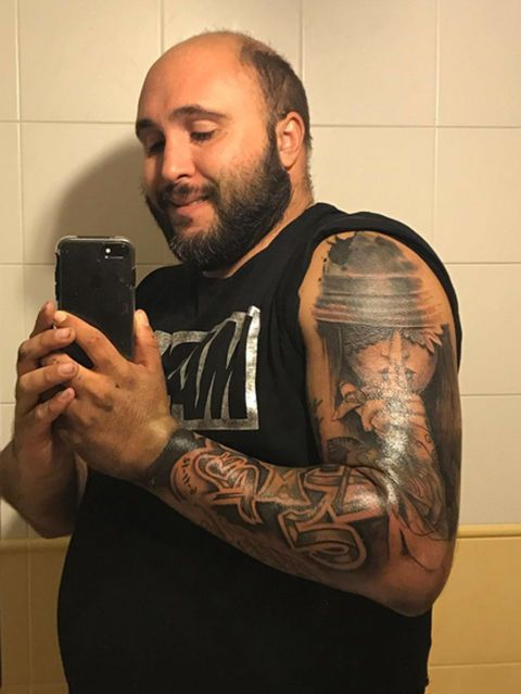 Finger, Tattoo, Facial hair, Shoulder, Elbow, Joint, Mobile phone, Wrist, Muscle, Chest,