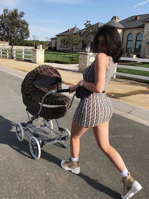 Human leg, Style, Baby carriage, Dress, Baby Products, Calf, Street fashion, Rolling, Cart, Foot,