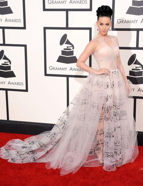 Flooring, Shoulder, Dress, Red, Floor, Carpet, Style, Formal wear, Gown, Waist,