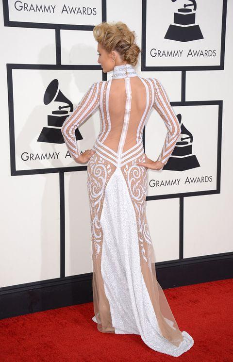 Flooring, Shoulder, Carpet, Style, Floor, Dress, Fashion, Gown, Peach, One-piece garment,