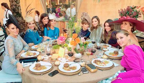 Cuisine, Food, Dishware, Dish, Meal, Hat, Table, Tableware, Furniture, Sharing,