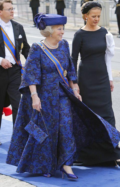 Blue, Dress, Hat, Tie, Style, Suit, Formal wear, Fashion accessory, Headgear, Electric blue,