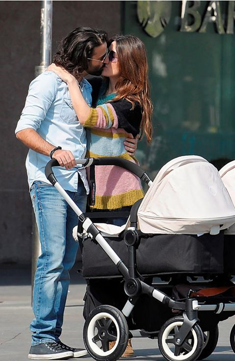 Wheel, Tire, Product, Baby carriage, Baby Products, Jeans, Interaction, Bag, Denim, Street fashion,