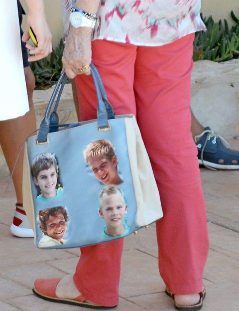 Bag, Fashion, Luggage and bags, Street fashion, Watch, Shoulder bag, Handbag, Slipper, Sandal, Ankle,