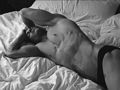 Barechested, Muscle, Black-and-white, Photography, Sleep, Monochrome photography, Leg, Abdomen, Trunk, Chest,