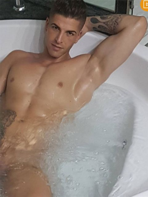 Barechested, Muscle, Chest, Bathing, Washing, Model, Chest hair, Bathtub, Trunk, Flesh,
