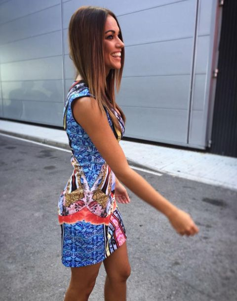 Clothing, Street fashion, Blue, Fashion, Beauty, Human leg, Electric blue, Shoulder, Leg, Snapshot,