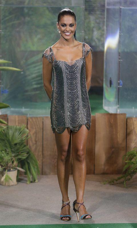 Leg, Shoulder, Human leg, Joint, Thigh, Dress, Fashion, Flowerpot, Sandal, Fashion model,