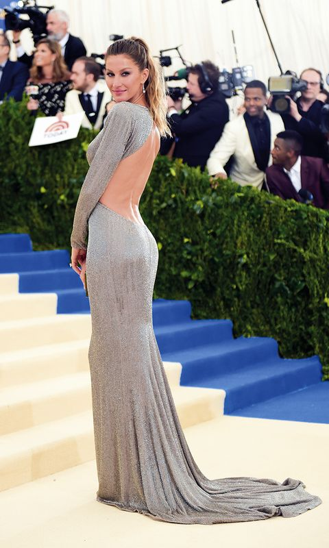 Dress, Gown, Clothing, Fashion model, Shoulder, Red carpet, Fashion, A-line, Carpet, Haute couture,