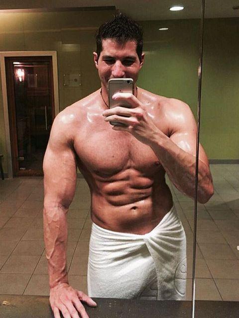 Barechested, Bodybuilder, Muscle, Bodybuilding, Abdomen, Chest, Arm, Shoulder, Chin, Trunk,