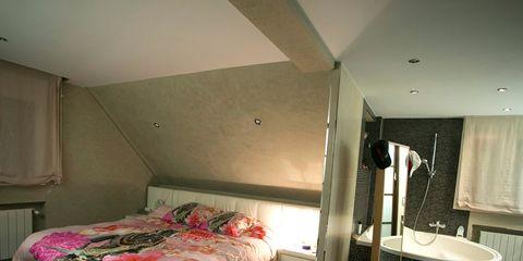 Room, Lighting, Floor, Interior design, Flooring, Bed, Property, Wall, Textile, Plumbing fixture,
