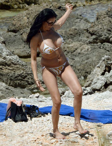 Leg, Fun, Brassiere, Human leg, Summer, Swimsuit top, Bikini, People in nature, Swimsuit bottom, Swimwear,