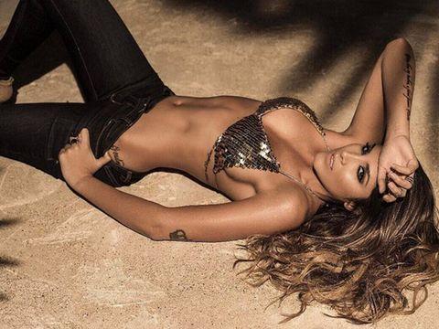 Beauty, Long hair, Model, Lingerie, Leg, Bikini, Photo shoot, Black hair, Agent provocateur, Human leg,