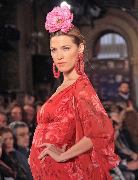 Lip, Hairstyle, Petal, Style, Hair accessory, Earrings, Dress, Headgear, Fashion model, Fashion,
