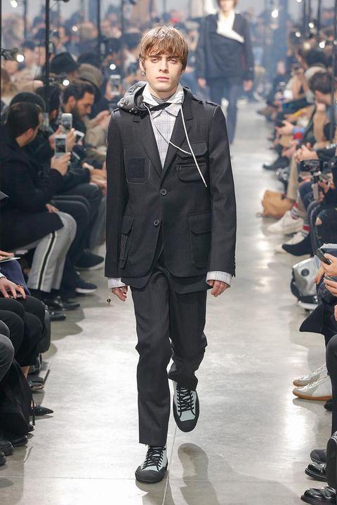 Footwear, Outerwear, Fashion show, Collar, Coat, Style, Formal wear, Runway, Fashion model, Street fashion,