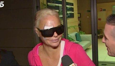 Eyewear, Hair, Sunglasses, Glasses, Blond, Cool, Head, Pink, Cheek, Selfie,
