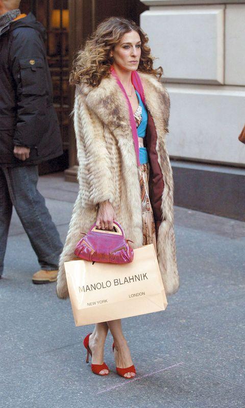 Fur, Street fashion, Clothing, Pink, Fur clothing, Fashion, Skin, Beauty, Footwear, Hairstyle,
