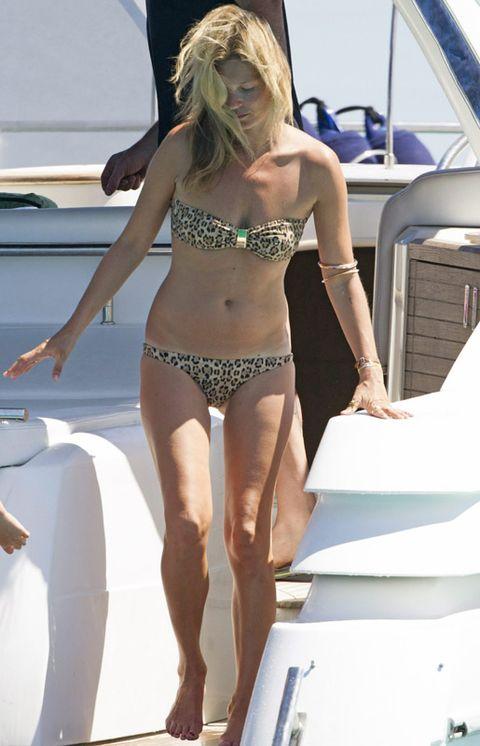 Hairstyle, Human leg, Brassiere, Joint, Summer, Bikini, Swimwear, Thigh, Swimsuit bottom, Swimsuit top,