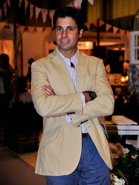 Coat, Dress shirt, Sleeve, Collar, Shirt, Textile, Outerwear, Style, Formal wear, Pocket,