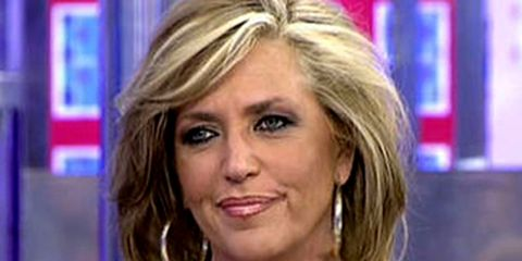 Hair, Face, Blond, Television presenter, Hairstyle, Eyebrow, Chin, Nose, Layered hair, Newsreader,