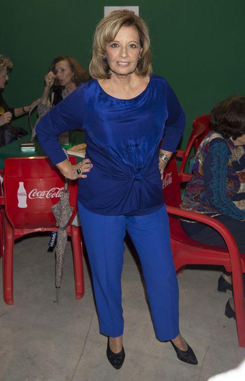 Electric blue, Chair, Cobalt blue, Majorelle blue, Bag, Bicycle wheel, Makeover, Sandal, Slipper, Ankle,