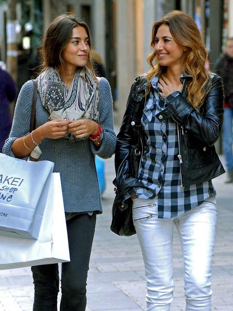 Clothing, Hair, Leg, Trousers, Denim, Jeans, Textile, Outerwear, Fashion accessory, Bag,