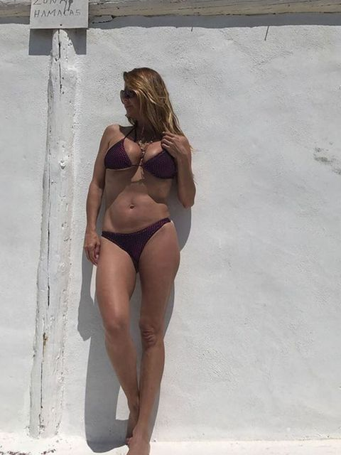 Leg, Brown, Shoulder, Human leg, Brassiere, Joint, Summer, Undergarment, Waist, Bikini,