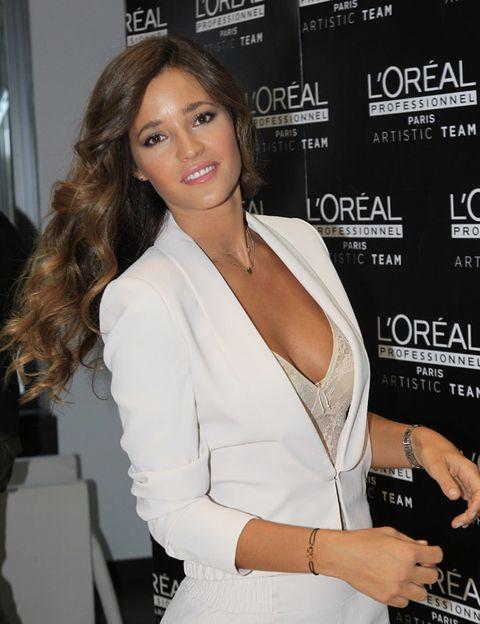 Arm, Lip, Human body, Shoulder, Hand, Joint, Eyelash, Style, Formal wear, Fashion model,