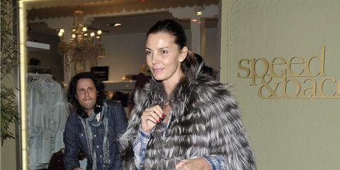 Jacket, Bag, Fashion, Luggage and bags, Street fashion, Fur, Scarf, Curtain, Fashion design, Houseplant,