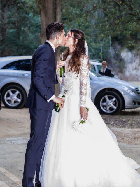 Gown, Bride, Wedding dress, Photograph, Dress, Bridal clothing, Wedding, Ceremony, Clothing, Formal wear,