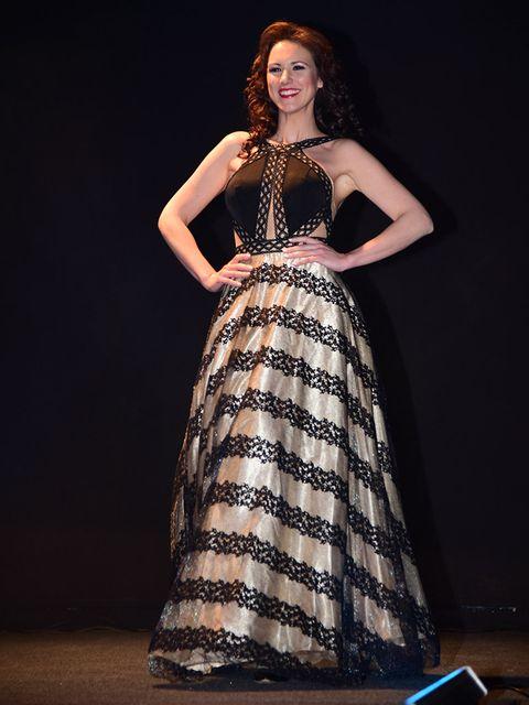 Fashion model, Dress, Clothing, Gown, Fashion, Formal wear, Beauty, Photo shoot, Model, Event,