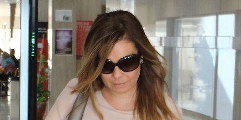Eyewear, Hair, Sunglasses, Hairstyle, Glasses, Blond, Shoulder, Street fashion, Lip, Cool,